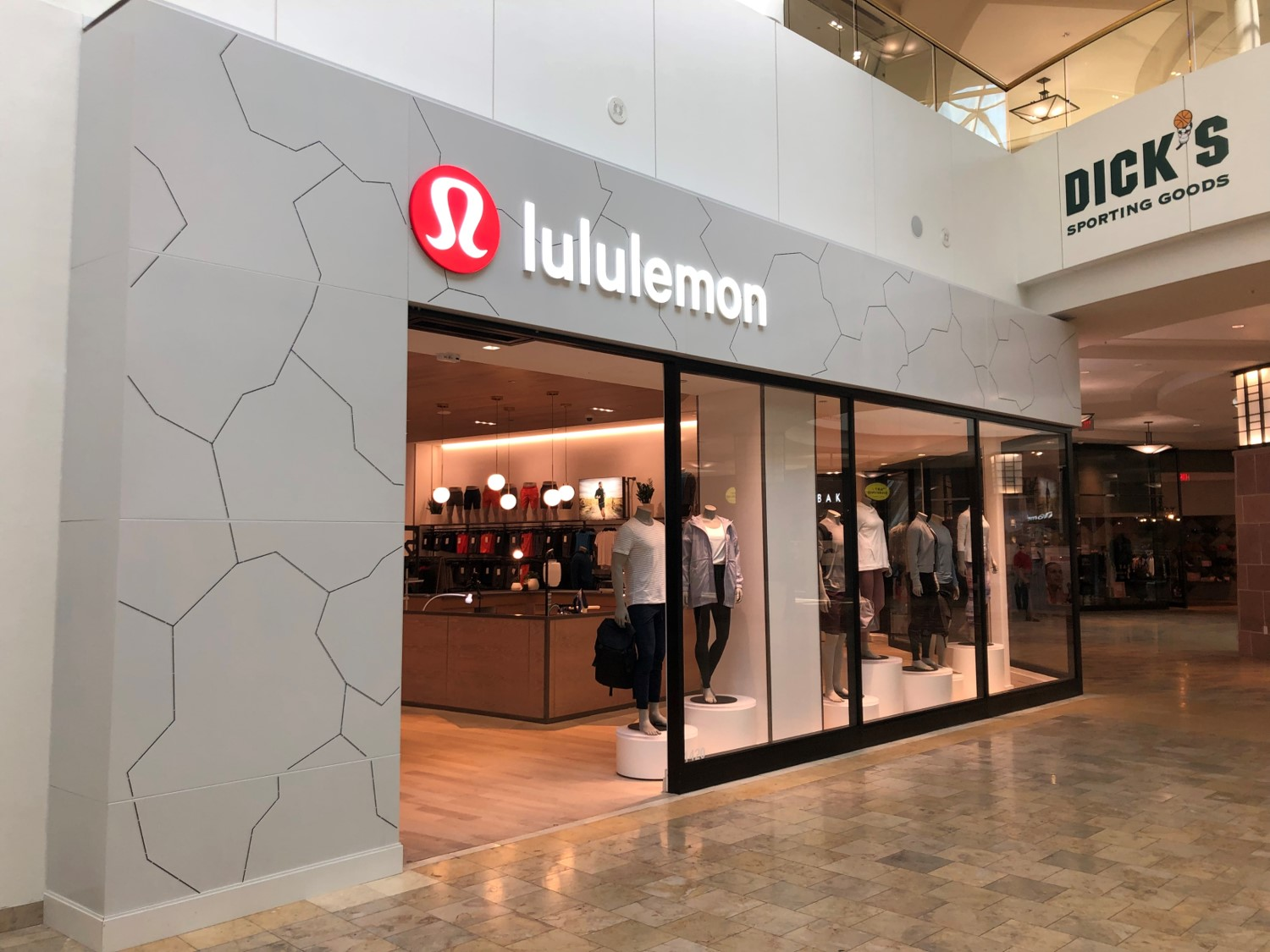 AWP-Fabrication-Storefronts-Lululemon